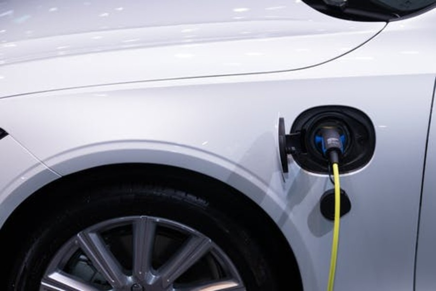 900X600.ELECTRIC CAR CHARGER (1)